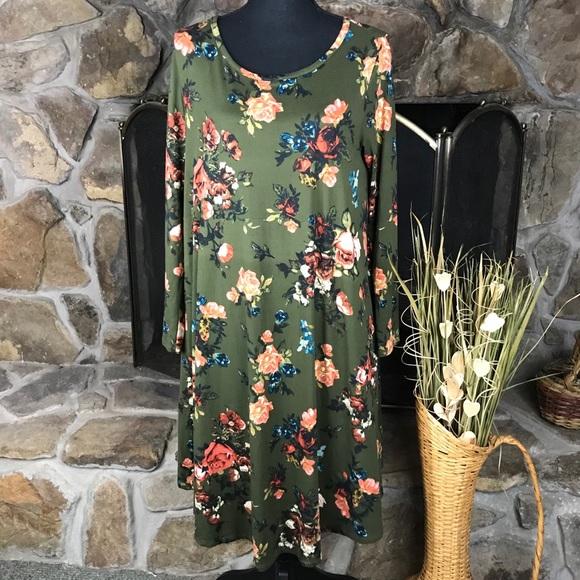 reb & J Dresses & Skirts - Reb & J   A Line Knit Dress   Printed - Green   L